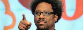 """Comedian"" W. Kamau Bell: Liberal Media is ""Reasonable"" While Fox News ""Barks"""